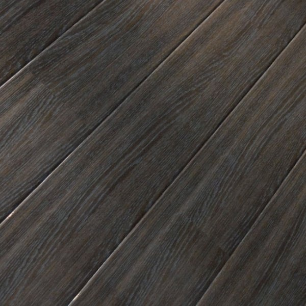 Supergloss Extra Sensitive Moor Oak Laminate Flooring