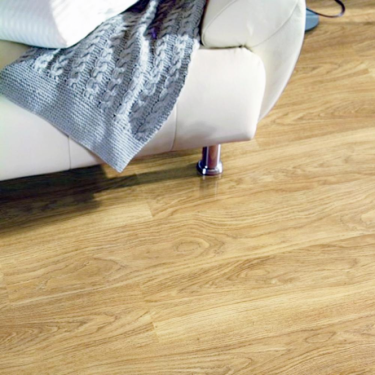 Krono Original Eurohome Kronoclic 6mm Light Varnished Oak Straight Edge Laminate Flooring (9748)