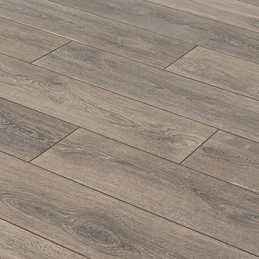 Krono supernatural classic 8mm castle oak ac4 laminate for Laminate flooring stores
