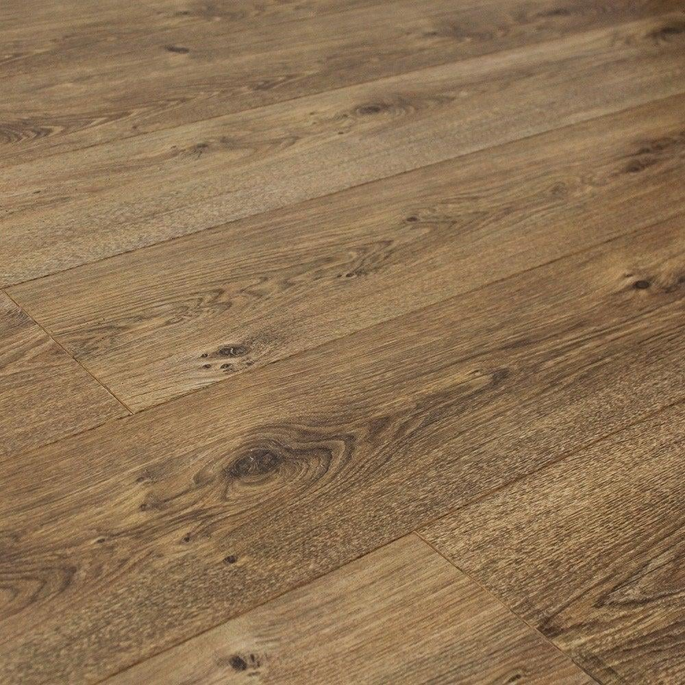Balterio quattro new oak liberty laminate flooring at for Laminate flooring stores