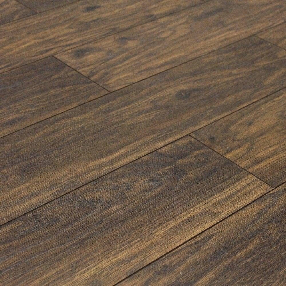 Balterio quattro 12mm prestige oak ac4 laminate flooring for Laminate flooring stores